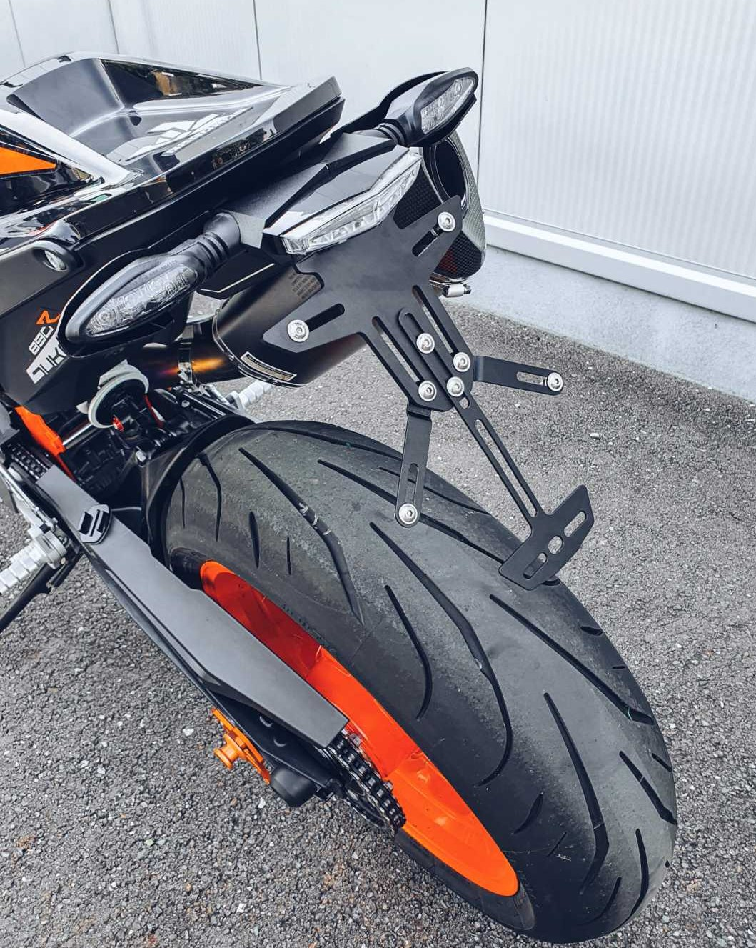 Left_exhaust_heat_protector_for_tail_tidy_KTM_Duke_790/890R